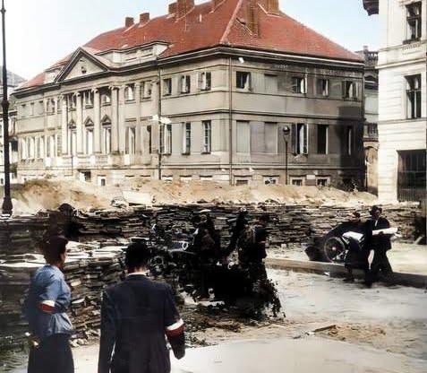 Powstanie Warszawskie na Starym Mieście - Warszawa